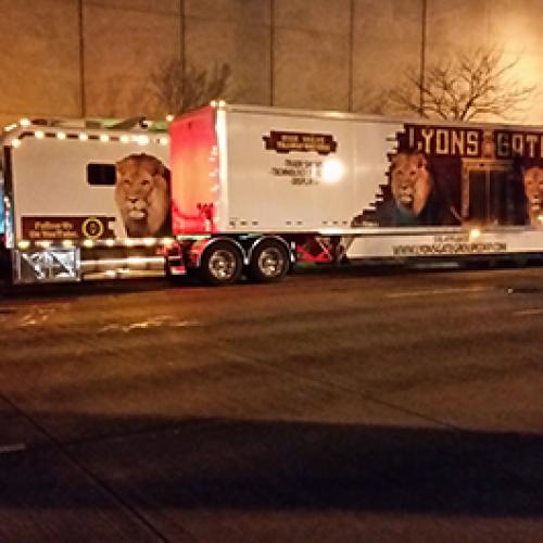 Professional Trucking Transporter